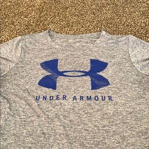 Loose fit UA women's t-shirt